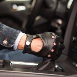 skórzana rękawiczka